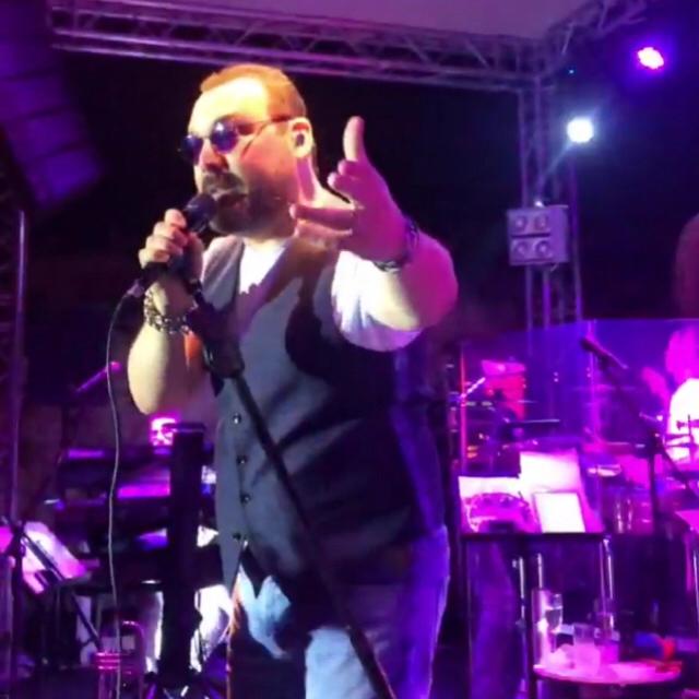 Famebuster Yaşar Yaşar  konserlerine Çeşmede Başladı fame buster