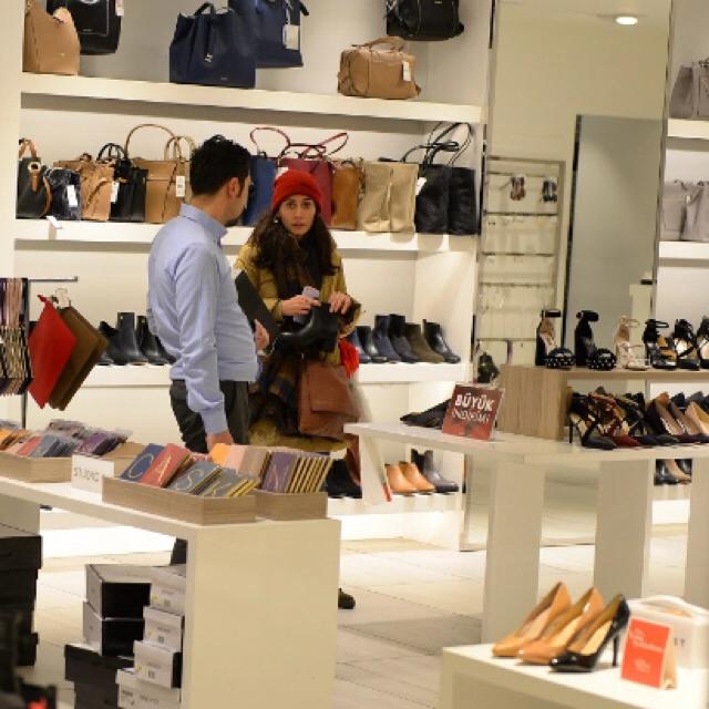 Famebuster Melisa Sözen Nişantaşı city's de alışveriş yapıyor fame buster