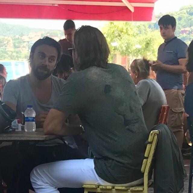 Famebuster Engin Altan Düzyatan Bebek kahvede  fame buster