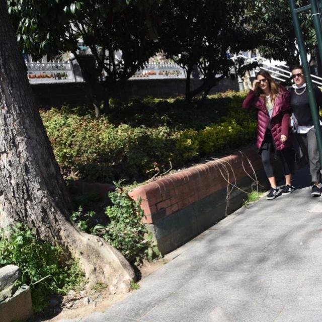 Famebuster Gupse Özay Bebek parkındalar fame buster