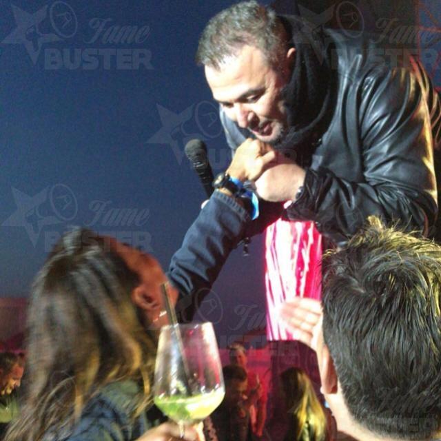 Famebuster Antonis Remos  φοβερό συναυλία φοβερά κορίτσια !!! fame buster