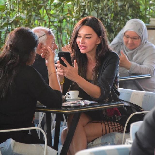 Famebuster Hande Ataizi Akmerkez'de fame buster