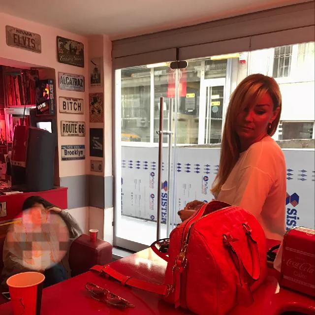 Famebuster Pınar Altuğ Atacan Pinar RedCat tattoo'da fame buster