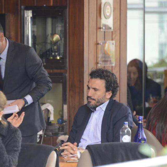 Famebuster Ediz Elhadef İstinyepark'ta toplantı fame buster