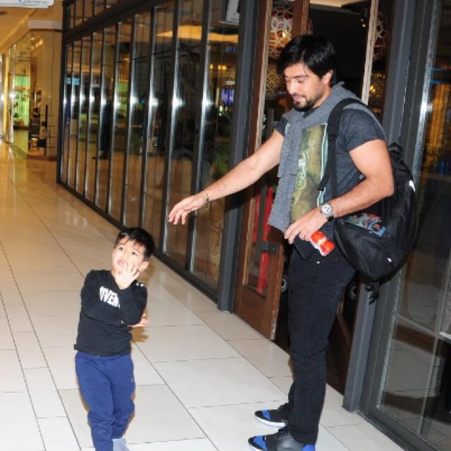 Famebuster İbrahim Toraman Oğlu ile akmerkez keyfi fame buster