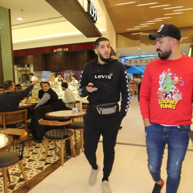 Famebuster Yassine Benzia Müslüman adam yahudi tisortu giyermi fame buster