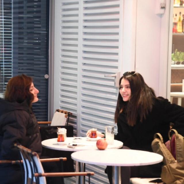 Famebuster Melisa Aslı Pamuk Hollandalının keyfi yerinde fame buster