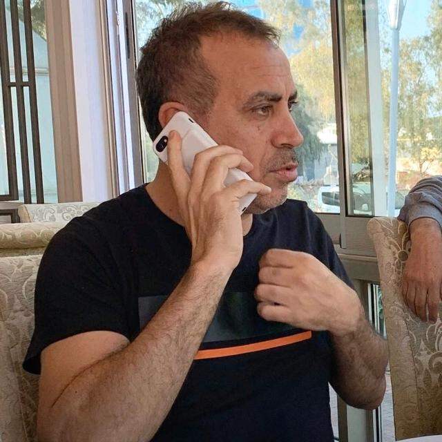 Famebuster Haluk Levent Haluk levent İZMİRDE dostalarıyla  fame buster